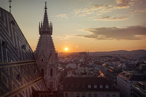 Time-Lapse Tuesday: Vienna's St Stephan's Cathedral - G