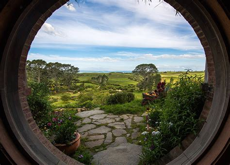 Hobbiton Tours, A Public Tour in New Zealand of the Real