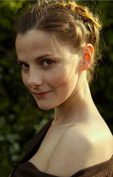 Louise Brealey Bra Size, Age, Weight, Height, Measurements